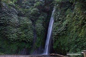 Asia, Bali, Indonesia, Munduk, Lago Buyan, Lago Tamblingan, Red Koral Cascada, Melanting Waterfall