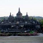 0718.-Stupas-en-Brahma-Vihara