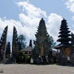 1628.-La-diosa-del-lago-Batur