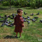 Niño con el traje Gho