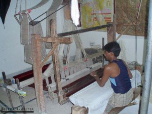 0870.-Benares-famosa-por-sus-brocados-de-oro