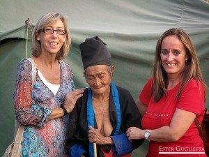 Herminia y yo con la abuela de Khamphone,