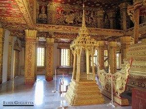 Interior del Wat Ho Pha Bang