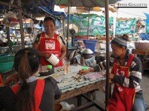 Mujeres jugando al bingo