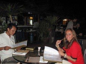 Con Thippakone en la terraza del Hotel Pakse