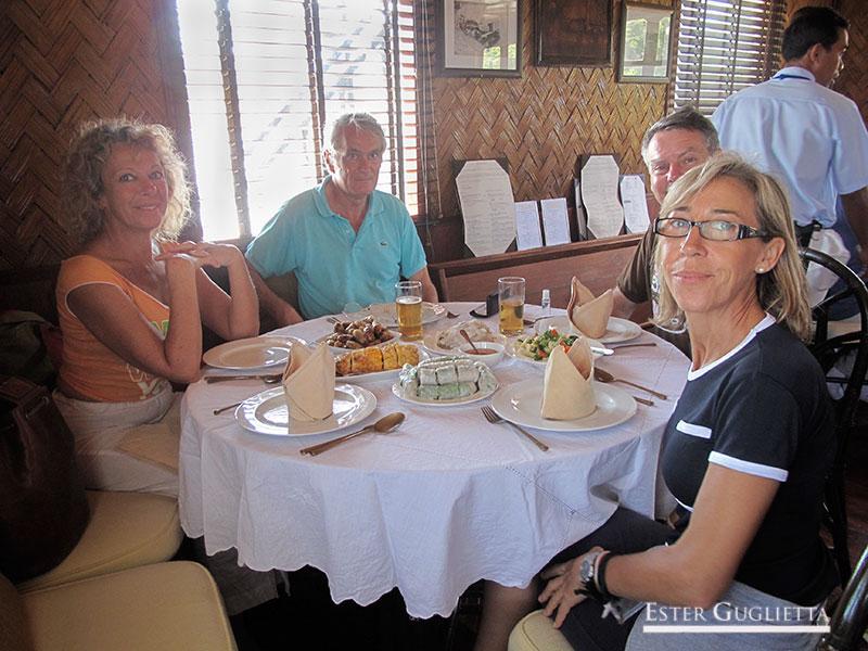 En el restaurante del Vat Phou