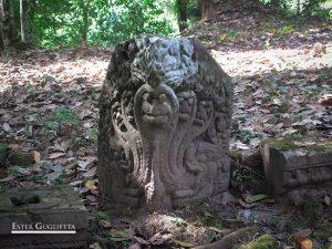 Ou Moung, Templo de Tomo
