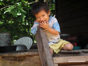 Niño en Huei Thamo