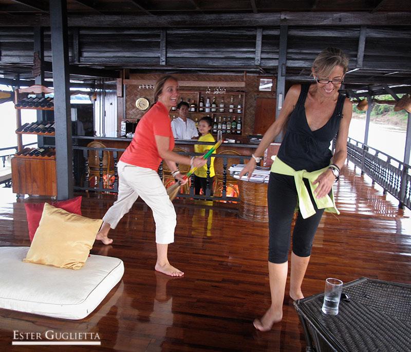 En el barco Vat Phou