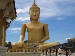 Wat Chomphet, Buda sentado