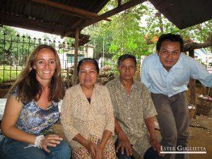 Thippakone con sus padres