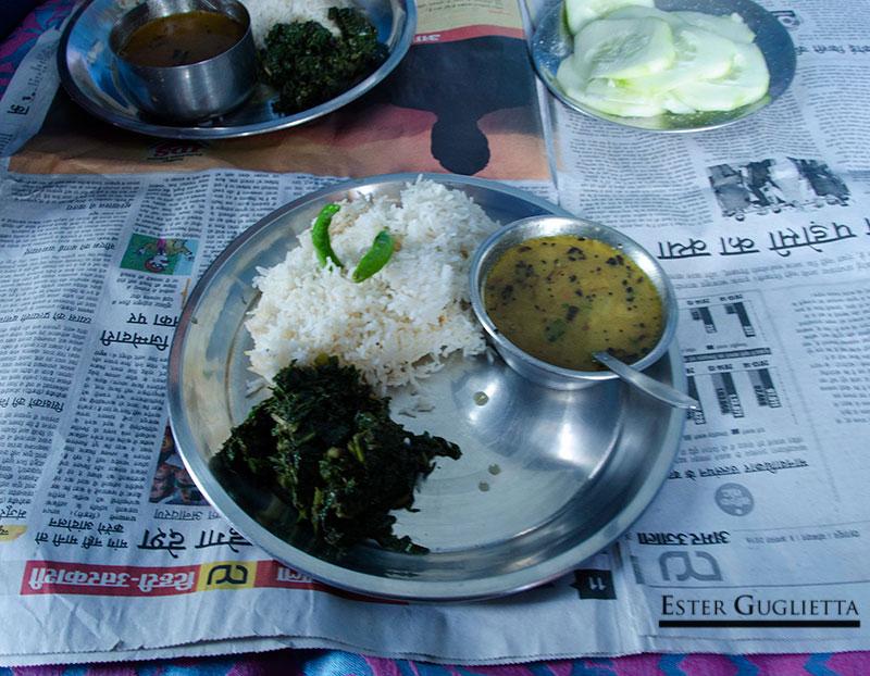 Lentejas, arroz y hojas de calabaza