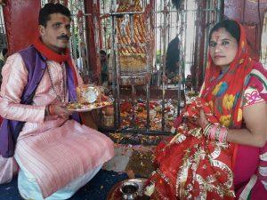 Pandit Sanjay Bhatt y su esposa