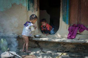 Niños de la casta de los intocables
