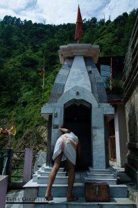 Purificando el templo con el humo